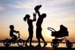Tạo điều kiện để trẻ em Việt Nam được nhận nuôi ở nước ngoài về thăm quê hương