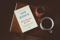 """""""Hứa với con, Ba nhé"""" – cuốn hồi kí cảm động của Tổng thống Joe Biden"""