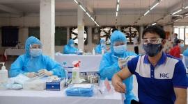 TPHCM chính thức rút ngắn khoảng cách tiêm vaccine AstraZeneca còn 6 tuần