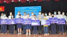 Tổng công ty Điện lực TPHCM: Bảo trợ trẻ mồ côi cha mẹ do COVID-19 cho đến 18 tuổi
