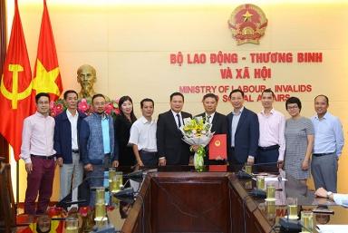 Bổ nhiệm Phó Vụ trưởng Vụ Hợp tác quốc tế đối với ông Đặng Huy Hồng